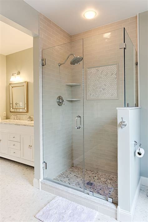 Small Bathroom Ideas With Shower Stall by Best 25 Shower Stalls Ideas On Shower Seat