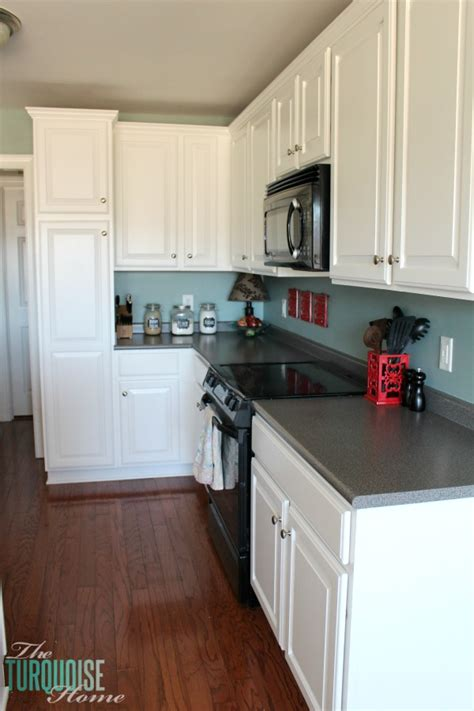 painted kitchen cabinets with benjamin simply white