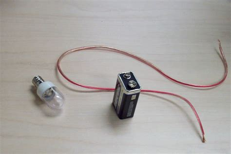 how to wire lights to a battery the macgyver flashlight obtain a battery an electric
