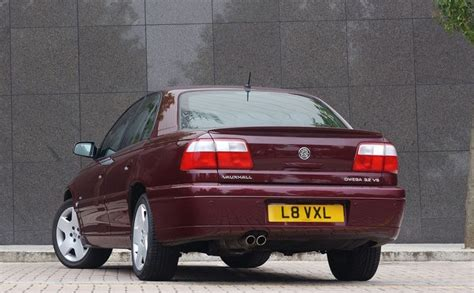 view of vauxhall omega 2 0 16v photos features vauxhall omega saloon 1994 2003 photos parkers