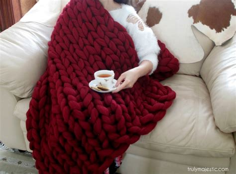 how to knit a blanket step by step how to arm knit a blanket