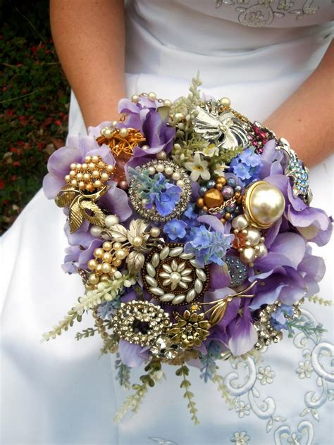 how to make flowers into jewelry how to make a brooch bridal bouquet how tos diy