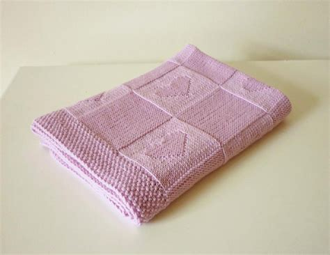 baby blankets knitted easy 10 easy to knit baby blankets loveknitting