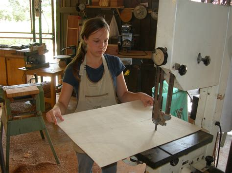 new woodworker get woodworking tom s workbench