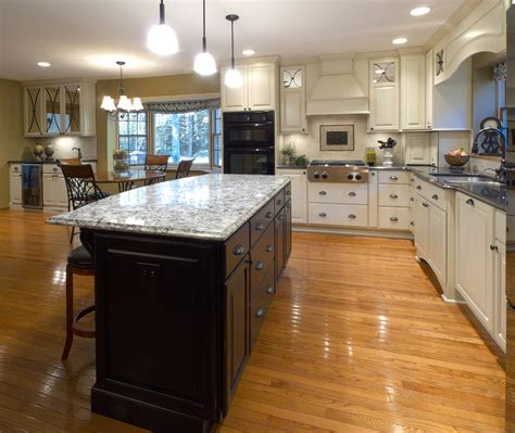 woodworks wi custom cabinetry and woodwork in wi welling cabinetry