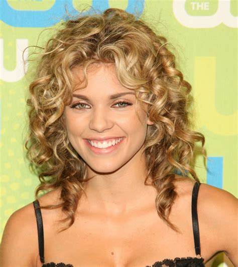 shoulder length lots of layers hair styles check out hairstyles for medium length curly hair lots