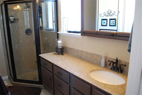 Small Bathrooms Makeover by Small Bathroom Makeover Ideas