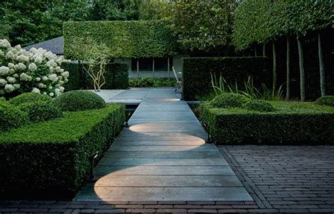 landscape path lighting hardscaping 101 pathway lighting gardenista