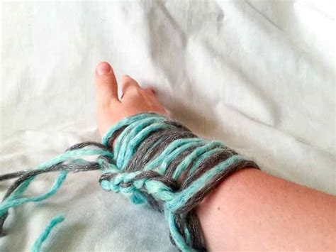arm knitting cast on arm knitting technique