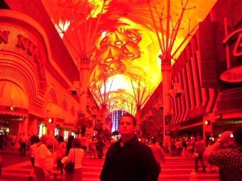 Fremont Street Light Show Hours by Old Vegas Light Show Picture Of Fremont Street