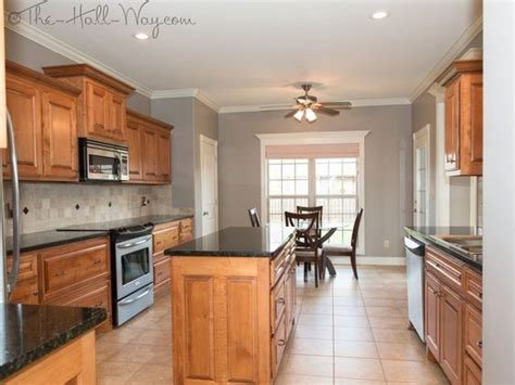 paint colors for kitchen walls with cherry cabinets maple cabinets paint color for walls kitchen w maple