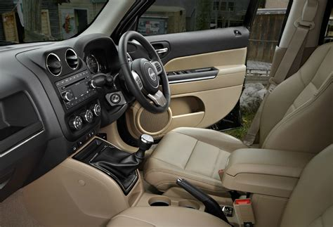 electric and cars manual 2011 jeep patriot interior lighting jeep patriot 24l sport reviews jeep patriot 24l sport car reviews