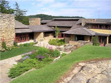 Thehousedesigners the most famous designs of frank lloyd wright