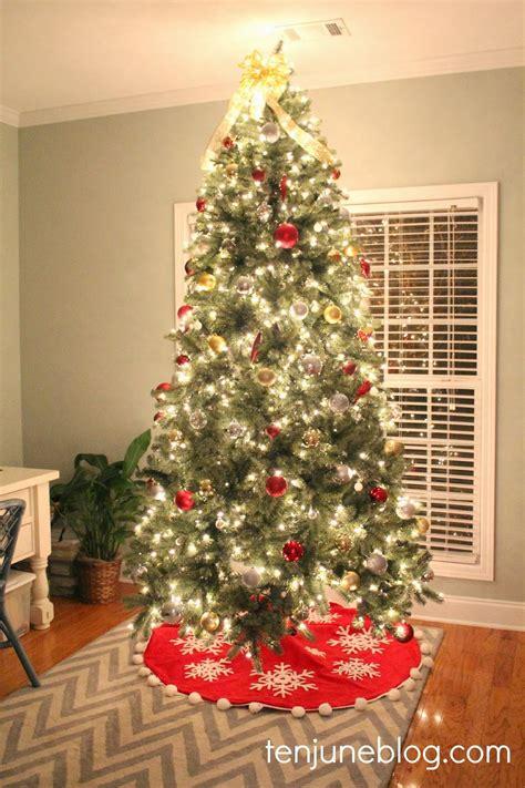 roter weihnachtsbaum ten june silver gold tree