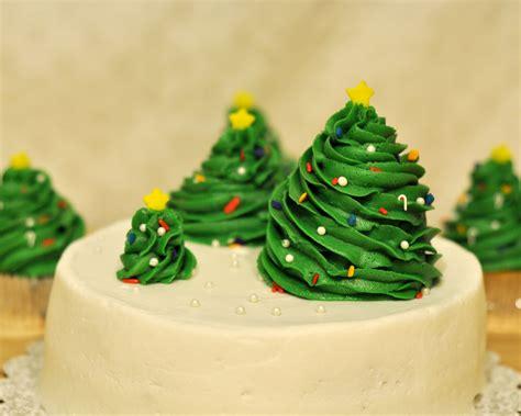 cake tree decorations easy cake decorating ideas rainforest islands