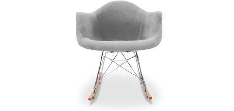 rocking chairs de designer chaise contemporaine de designer chaise rocking chair rar inspiree