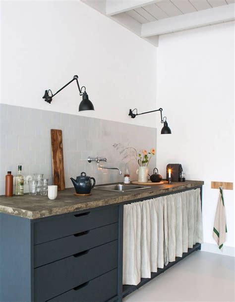 25 best ideas about les rideaux de placard sur rideau de placard rideaux de porte