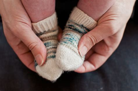 free knitting patterns for baby socks on two needles free baby sock knitting pattern