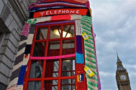 knit city knit the city phonebox cosy unurth
