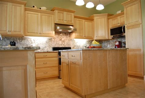 paint color for kitchen with maple cabinets kitchen paint colors with maple cabinets maple