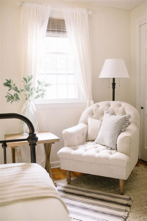 ideas for guest bedroom 25 best ideas about white rooms on bedroom