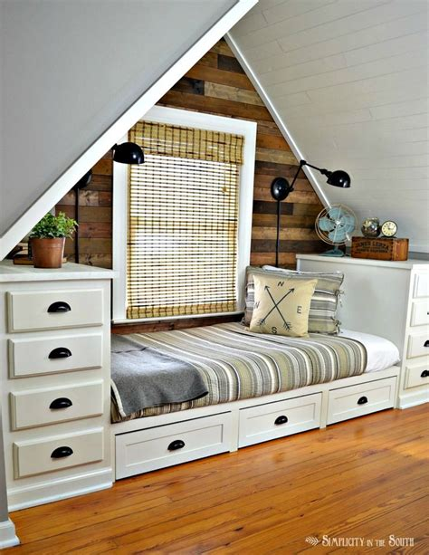 built in beds best 25 built in bed ideas on built in daybed