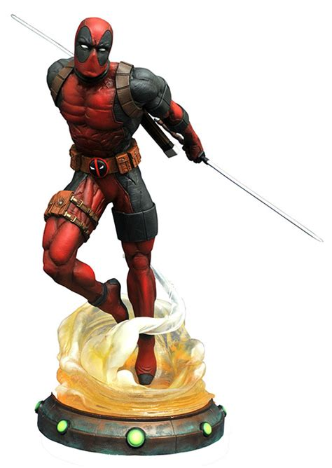 Chainsaw Artwork by Deadpool Marvel Gallery Pvc Statue At Cmdstore Com