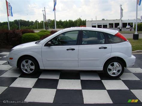 2006 Ford Focus Hatchback by 2006 Cloud 9 White Ford Focus Zx5 Ses Hatchback 10475305