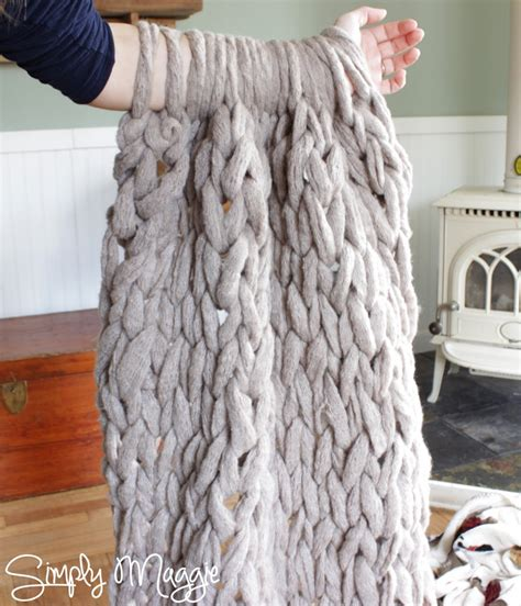 Arm Knit A Blanket In 45 Minutes By Simply Maggie