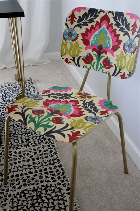 decoupage with fabric on wood hometalk quot upholster quot a wood chair with fabric and mod podge