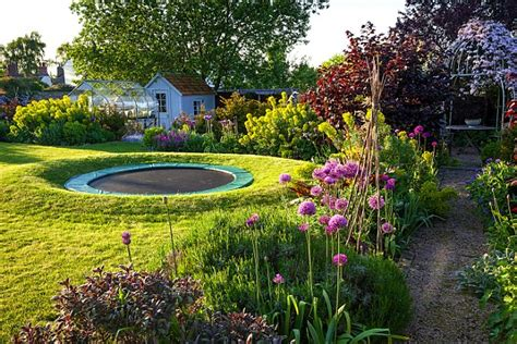 how to create a flower garden how to create the garden in this ultimate makeover