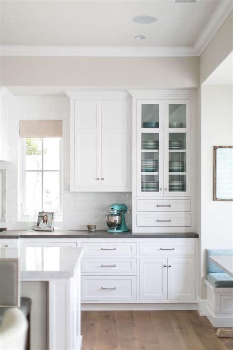 How To Put Up Tile Backsplash In Kitchen best 25 kitchen cabinet layout ideas on pinterest