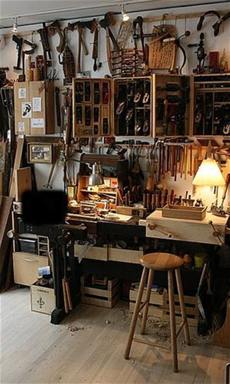 community woodworking shop 1000 ideas about wood shops on woodworking