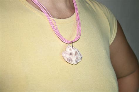 how to make jewelry from shells how to make a shell necklace 9 steps with pictures