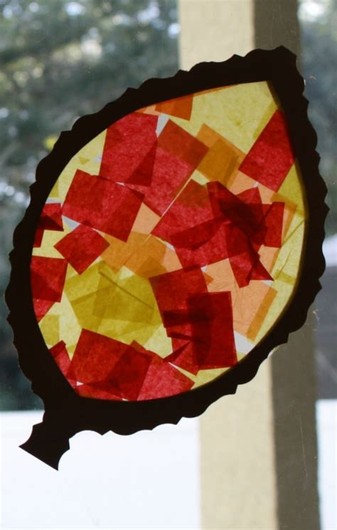 fall craft fall craft for toddlers and preschoolers leaf sun catcher