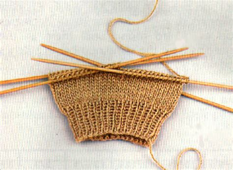 how ti knit how to knit socks in 8 easy steps wool baby socks
