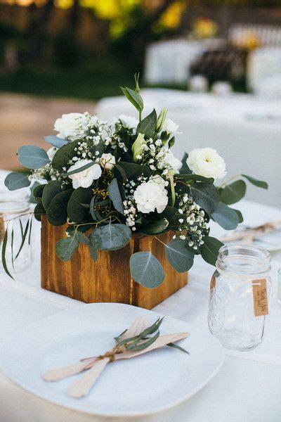 simple centerpiece ideas 25 best ideas about simple wedding centerpieces on