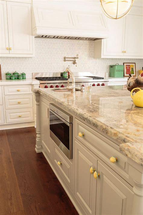 quartz kitchen countertop ideas 25 best ideas about quartz kitchen countertops on quartz countertops white quartz