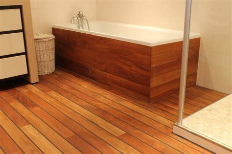 salle de bain parquet bois solutions pour la d 233 coration
