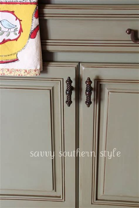 chalk paint grey kitchen cabinets 130 best images about sloan chalk painted kitchens