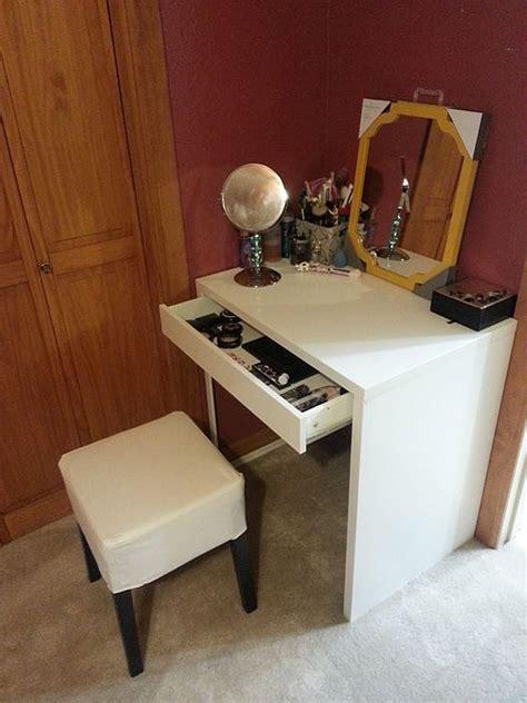 small makeup desk small vanity desk 8743 1349916415 2a jpg makeup desk