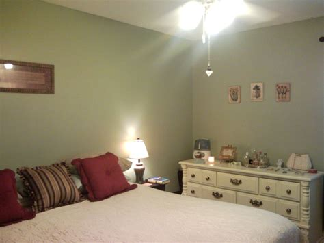 color for small bedroom decorating a small bedroom on an even smaller budget