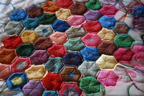 hexagon knitting pattern free knitted hexagon blanket free pattern knitting frenzy