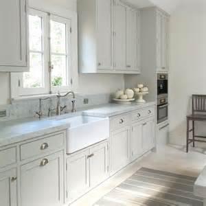 light grey kitchen best 25 light gray cabinets ideas on light