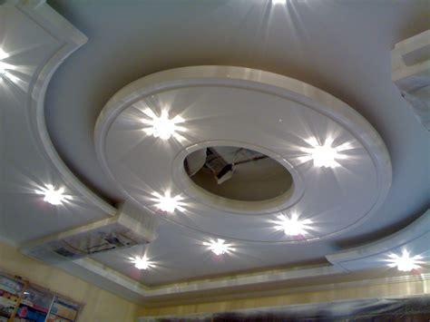 cuisine platre excellence works plafond platre moderne pour salon plafond platre moderne