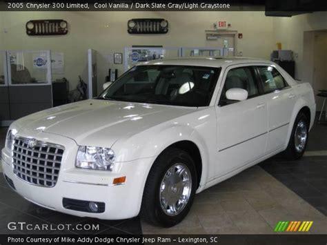 2005 Chrysler 300 Interior by Cool Vanilla 2005 Chrysler 300 Limited Slate Gray