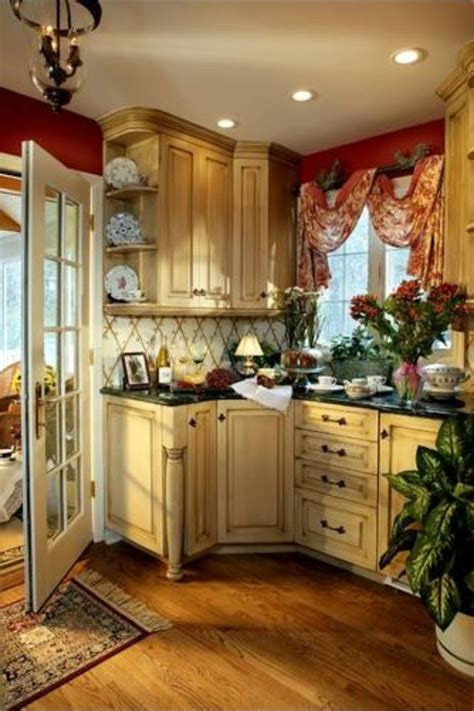 17 best ideas about small country kitchens on best 25 country kitchens ideas on