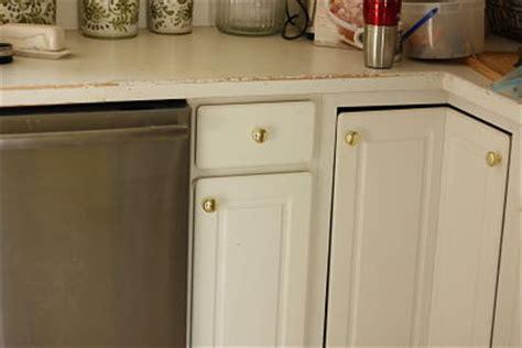spray paint kitchen hardware spray paint brass kitchen knobs spray paint kitchen