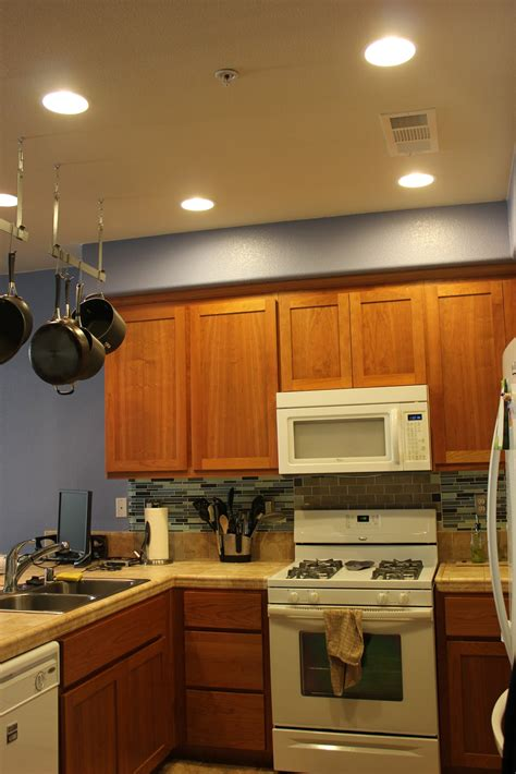 can lighting in kitchen inside the frame light it up