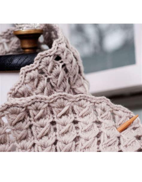 knit lace cowl pattern pavo knit lace cowl knitting patterns and crochet